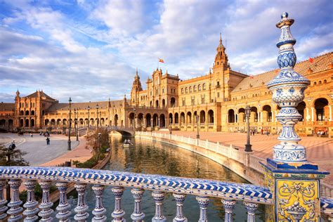 Top 5 Most Romantic Things to Do in Seville