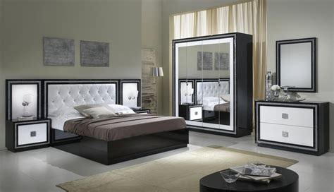 chambres d h es c es d armor commode design 2 tiroirs laqu 233 e blanche et appoline