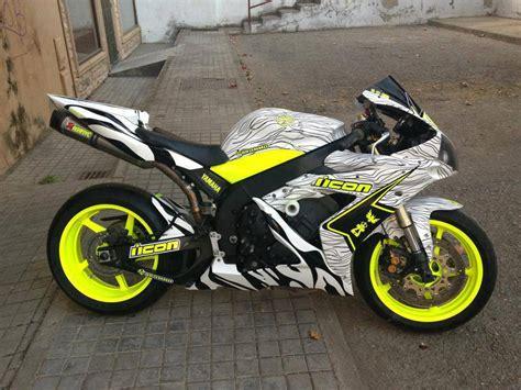 motorcycle colors yamaha r1 ahh that olor scheme bikes