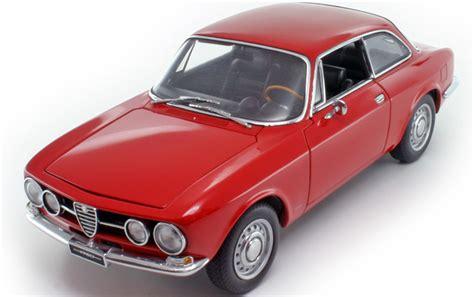 alfa romeo giulia  gtv coupe autoart  details