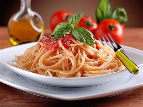 table snack cuisine spaghetti with tomato sauce a soscuisine recipe