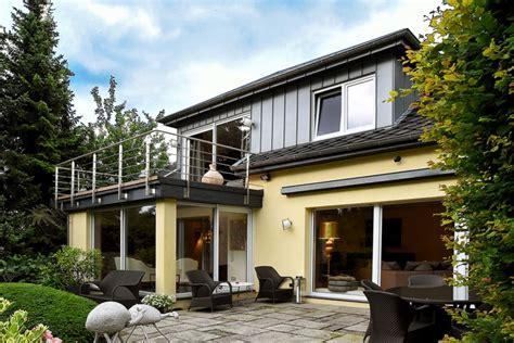 Schönes Einfamilienhaus Mit Einliegerwohnung In Bredeney