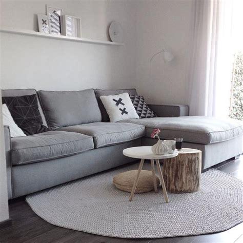 canape ikea stockholm le petit tapis rond solution pour les petits espaces
