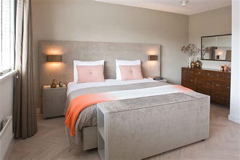 slaapkamer inrichten hout luxe slaapkamer met stijlvol bed