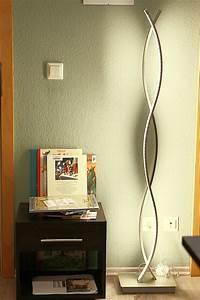 Stehlampe Für Wohnzimmer : ber ideen zu led stehlampe auf pinterest holzbalken stehlampe led und alte holzbalken ~ Frokenaadalensverden.com Haus und Dekorationen