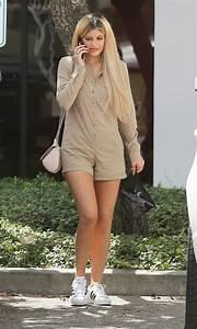 Kylie Jenneru2019s Wardrobe Collection - Fashion Style Trends 2017