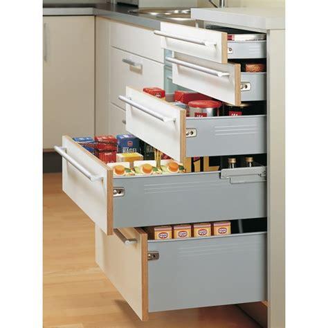 amenagement interieur tiroir cuisine meuble cuisine casserolier tiroir coulissant et de cuisine
