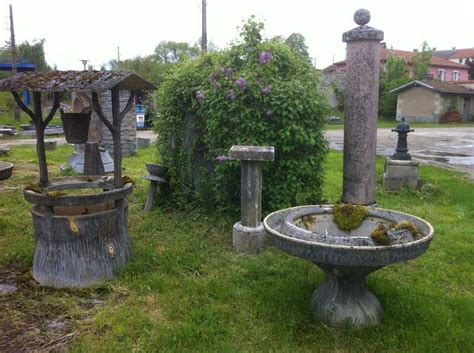 Donicio Rodriguez Style Wishing-well And Two Round Basins