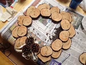 Wood Slice Wreath - by cassiet717 @ LumberJocks com