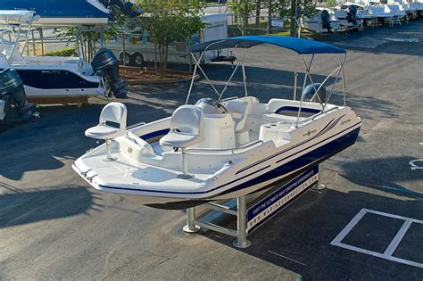 Hurricane Sundeck Used Boats by Used 2012 Hurricane Sundeck Sport Ss 201 Ob Boat For Sale