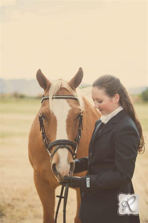emmas senior pictures   horse