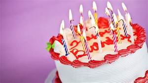 Download Wallpaper 1366x768 Delicious birthday cake HD ...