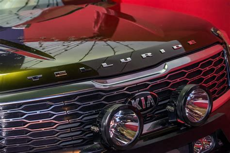 2020 Kia Telluride Accessories by 2020 Kia Telluride Luxury Suv Goes From Concept To