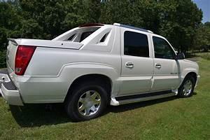 2005 Cadillac Escalade Ext - Overview