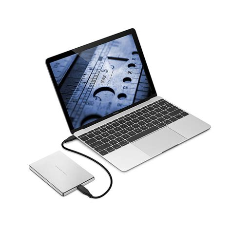 Sleek minimal design blends with my apple computers. LACIE Porsche Design P9227 1TB (Silver) - 2A69P1