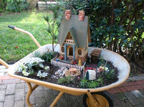 Red Shed Vintage The Miniature Primitive Garden
