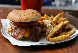 Burger Now Berlin : berlin s finest ex pat burgers thrillist berlin ~ Fotosdekora.club Haus und Dekorationen