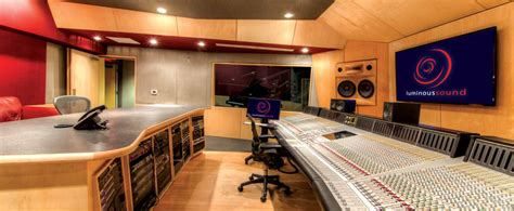 Beautiful and Spacious Recording Studio For Listening ...