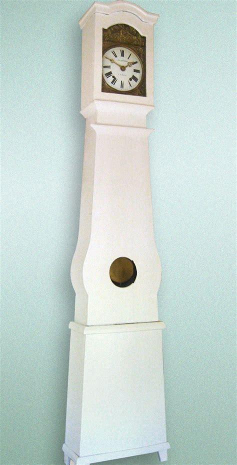 horloges murales cuisine horloges de parquet comtoises horloge comtoise laquée blanc sur commande