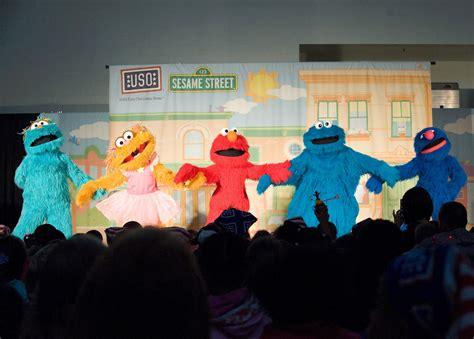Vlad and niki pretend play mobile games for kids. Elmo Play Zoe Says / Sesame Street Guide Sesame Street The ...