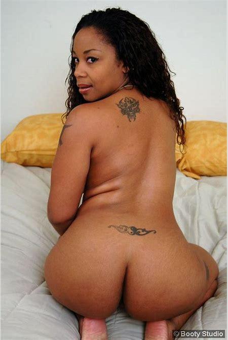 Big Black Nude Booty from BlackGirlsLust.com