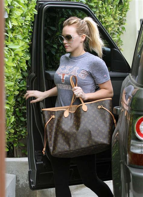 style  outfit bag hilary duff  louis vuitton neverfull gm bag