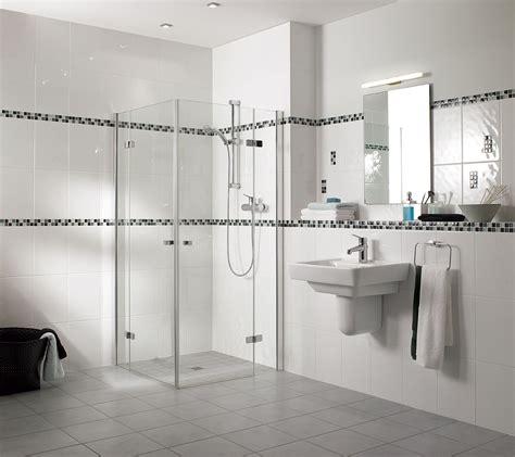 faience cuisine et blanc carrelage salle de bain romantique