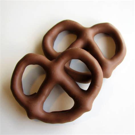 Dark Chocolate Covered Pretzels Flipz