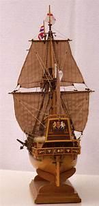Photos Ship Model Golden Hind