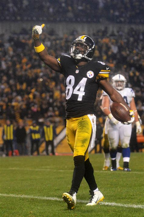 Antonio Brown Partially Tears Calf, Expected Back For The ...