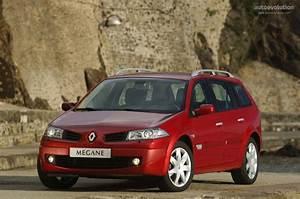 Renault Megane Estate 3 : renault megane estate specs 2006 2007 2008 2009 autoevolution ~ Gottalentnigeria.com Avis de Voitures