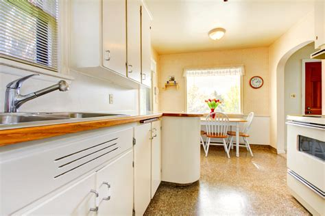 small eat in kitchen design kitchen design how to make a small kitchen look big 8010