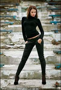 25+ Best Ideas about Modeling Poses on Pinterest | Photography poses Female modeling poses and ...