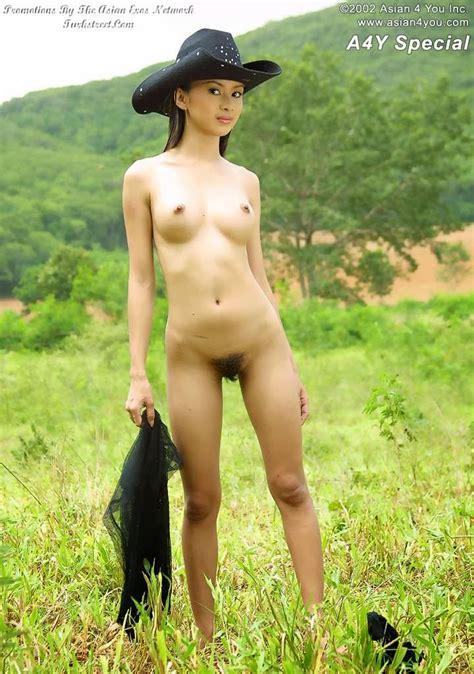 Cewek Thailand Foto Bugil Di Peternakan Sapi ~ Zona Dewasa