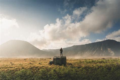 wisata  gunung bromo   tempat  wajib