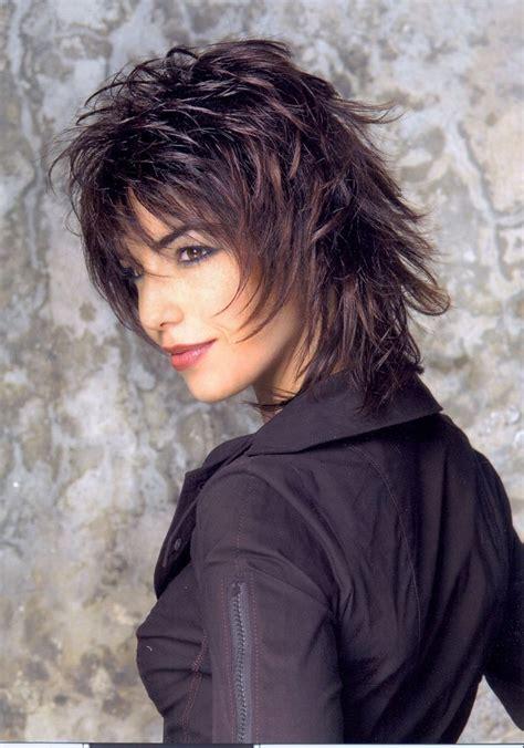 Coupe cheveux mi longs du00e9gradu00e9s - Coiffure en image