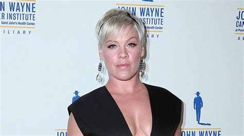 Pink Lashes Out At Fat-shaming Twitter Trolls