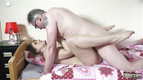 Horny Teen Rides Grandpa Cock Then Sucks It Deepthroat Porntube