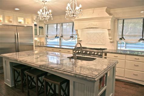 kitchens with two different colored countertops are the two countertop edges different for the island and 9635