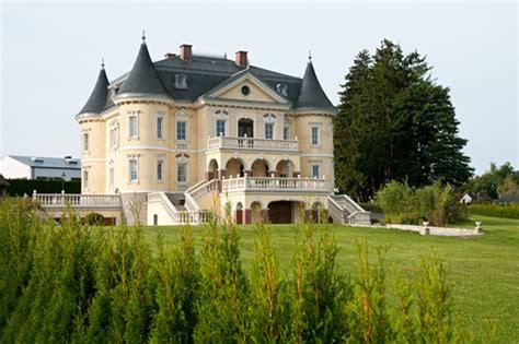 Iim Verkauf Exklusive Schlossvilla Mit Oldtimergaragen