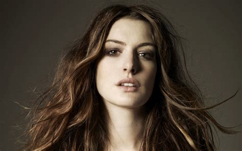 Anne Hathaway Wallpapers, Pictures, Images