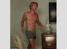 Chris Hemsworth talks about trying on different sized