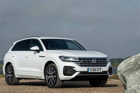 volkswagen touareg  drive review vws bentley