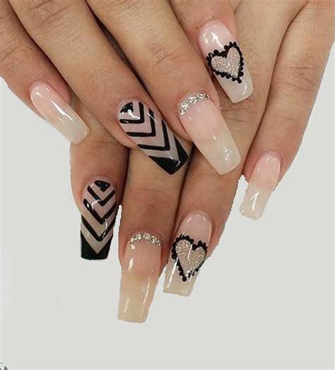 La mayoría de los diseños que se encuentran en la web son hechos a partir de uñas acrílicas decoradas ya que además de que te permiten manejar. Uñas de San Valentín: diseños y decoración (40 imágenes)