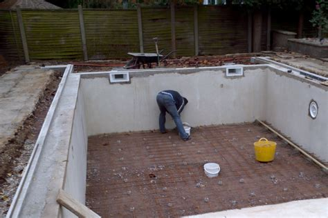 Swimming Pool And Fibreglass Specialists