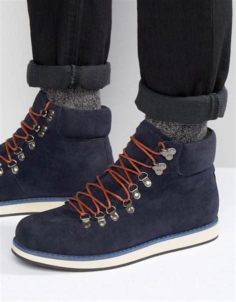 struct  struct hiking boots