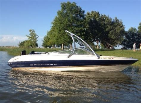 Bayliner Wakeboard Boat by Bayliner Boat With A Big Air Tower Universal