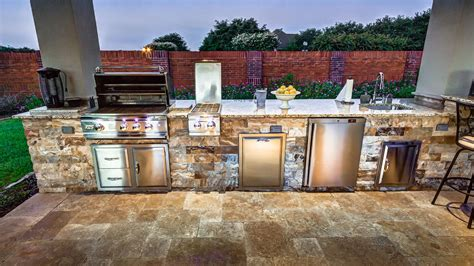 choosing  perfect outdoor grill  houston creekstone outdoor living