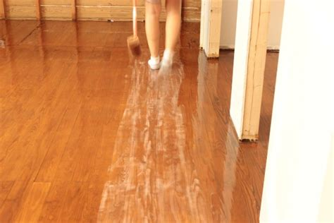 Buffing Hardwood Floors Between Coats by Screening Hardwood Floors Between Coats Gurus Floor