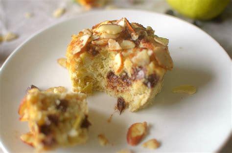 vegan chocolate chip pear streusel mug cake paleo